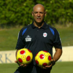 FUTEBOL - Marcio Correa, Preparador fisico do Belenenses - Liga Sagres 2008/09, durante o treino da manha no campo do Hotel Ria Park, em Vale do Garrao. Domingo, 13 de Julho de 2008. (ASF/CARLOS VIDIGAL JR.)